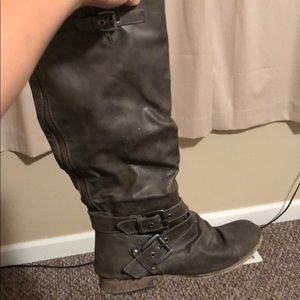 Shoes - Grey Leather Boots